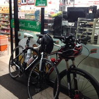 Photo taken at 7 Eleven by Kamontorn E. on 4/27/2014