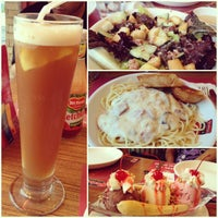 Photo taken at Shakey's by Paula C. on 6/23/2013