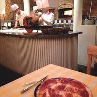 Photo taken at Pizzeria Limoncello by APRILIDER on 3/4/2013