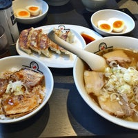 Photo taken at 喜多方ラーメン坂内 小法師 住吉店 by cyaranbo on 8/27/2016