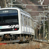 Photo taken at 新井踏切 by 加藤総合車両センター on 2/2/2017