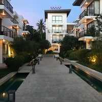 Photo taken at Discovery Shores Boracay by Ritche C. on 11/23/2017
