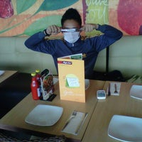 Photo taken at Pizza Hut by defpry f. on 4/5/2013