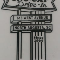 Photo taken at Sno-Cap Drive-In by Edward C. on 8/15/2013