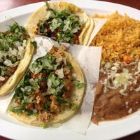 Photo taken at Taquería Los Comales 3 by Abigail F. on 9/11/2014