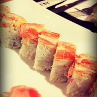 Photo taken at Umi Japanese Cuisine by Juan C. F. on 9/29/2012