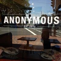 รูปภาพถ่ายที่ Anonymous Café โดย Michael W. เมื่อ 12/18/2013