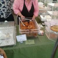 Photo taken at Del Ray Farmers' Market by Kenneth R. on 9/7/2013