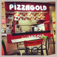 Photo taken at Pizza Gold by Hakantr35 on 7/22/2013