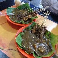 Photo taken at Sate Padang Triadi by Natalia W. on 7/23/2014