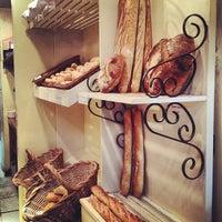 Foto tirada no(a) Barbarella Bakery por Alessandro Q. em 6/16/2013