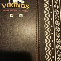 Foto tirada no(a) Vikings por Jen S. em 12/22/2017
