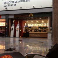 Photo taken at McDonald's by cuadrodemando (. on 5/4/2013