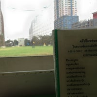 Photo taken at ครัวอิ่มอร่อย รัชดาวิภาวดีกอล์ฟ by Wiriya H. on 1/29/2013