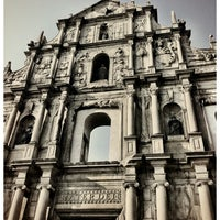 Photo taken at Ruins of St. Paul's by Wiriya H. on 10/20/2012