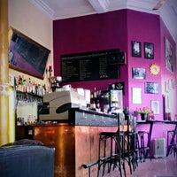 Das Foto wurde bei Café Bar Pudel Lounge von Jo R. am 4/5/2013 aufgenommen
