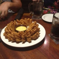 Photo taken at Outback Steakhouse by Glaucia M. on 12/23/2012