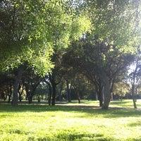 Foto tomada en Parque del Alamillo por Karmen S. el 4/17/2013