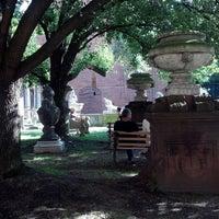 8/10/2013 tarihinde Barbara G.ziyaretçi tarafından Elizabeth Street Garden'de çekilen fotoğraf