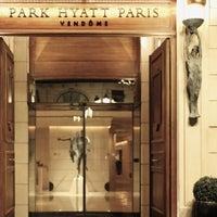 Photo prise au Park Hyatt Paris-Vendôme par Majed . le5/14/2013