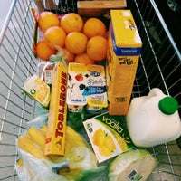 Photo taken at Woolworths by Wahyu Bagus S. on 2/12/2014
