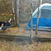 Photo taken at Ash Grove Mountain Cabins & Camping by Alejandro T. on 5/7/2016