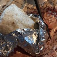 Das Foto wurde bei Chipotle Mexican Grill von Shay T. am 11/3/2016 aufgenommen