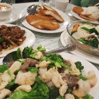 3/13/2018 tarihinde Marsha C.ziyaretçi tarafından Hot Wok Cafe'de çekilen fotoğraf