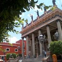 6/8/2013 tarihinde Arturo M.ziyaretçi tarafından Teatro Juárez'de çekilen fotoğraf