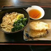 Photo taken at 讃岐製麺 東淀川大桐店 by Tsugumi M. on 4/27/2017