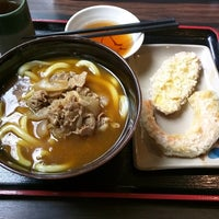 Photo taken at 讃岐製麺 東淀川大桐店 by Tsugumi M. on 3/8/2018