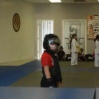 Foto tomada en ATA Karate por Beth S. el 8/29/2014