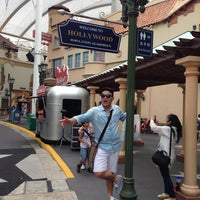 Universal Studios Singapore - Guest Services Lobby - Theme Park