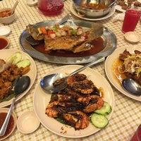 Photo taken at Restaurant Mualaf by Malin N. on 6/29/2016