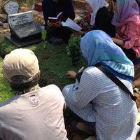 Photo taken at Tempat Pemakaman Umum Karet Tengsin by Novilita R. on 9/24/2015