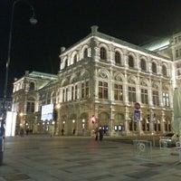 Das Foto wurde bei Wiener Staatsoper von Michelle M. am 4/7/2013 aufgenommen