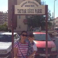 Photo taken at Tayyar Uğuz Parkı by Esna U. on 10/9/2015