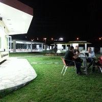 Photo taken at Balaban Dondurma Bahçe by Gülçin Ş. on 5/30/2013