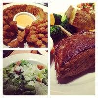12/29/2012にKentarow K.がOutback Steakhouse 池袋店で撮った写真