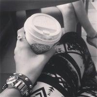 Снимок сделан в Custom Coffee пользователем Nika R. 6/4/2013