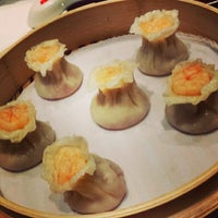 Photo taken at Din Tai Fung 鼎泰豐 by Yeosef on 9/25/2014