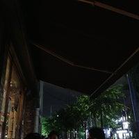 Photo taken at COFFINE GURUNARU by Jihyung P. on 9/13/2013