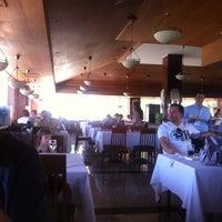 5/20/2013 tarihinde Cemal🔞 ®.ziyaretçi tarafından Turquoise Restaurant'de çekilen fotoğraf