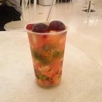 Foto tirada no(a) Feira da Fruta por Ricardo C. em 7/11/2013