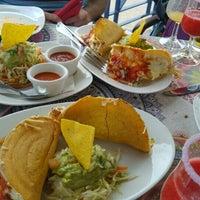 Foto scattata a Cantina Mexicana El Chango da Nastja S. il 3/6/2016