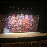 3/13/2013 tarihinde nickoletteziyaretçi tarafından Театър Българска Армия (Theatre Bulgarian Army)'de çekilen fotoğraf