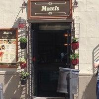 Foto tomada en Mucci's por Ferran V. el 6/2/2013