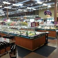 Foto scattata a Whole Foods Market da Stardust F. il 4/15/2013
