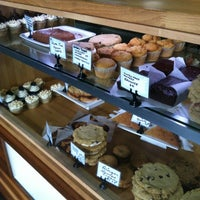 Photo prise au Sweetpea Baking Company par Vegan Beauty Review le11/5/2012