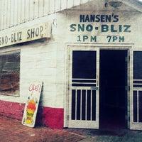 Photo taken at Hansen's Sno-Bliz by epictickets on 5/1/2013